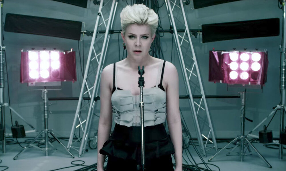 100 songs of the decade: Dancing On My Own – Robyn